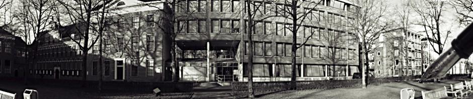 cropped-Foto-gerechtsgebouw-site-karin-met-vulpen..jpg